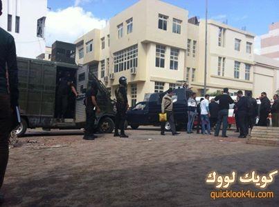 وفقاً لشهود عيان .. قامت قوات الداخلية بسحل عدة طالبات واعتقالهن من داخل الحرم الجامعي لجامعة المنصورة بعد إقتحامه اليوم.