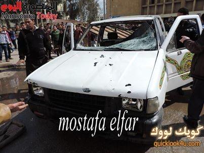 الطلاب قاموا بتحطيم سيارة نقل وأشعال النيران فيها أمام مبنى أدارة امن الجامعة